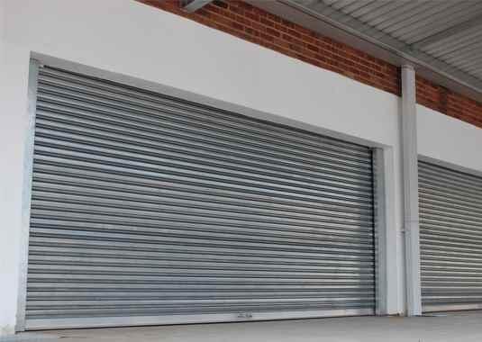 стоманена ролетна гаражна врата