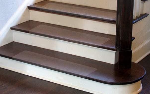 Противоплъзгащо фолио за стълби